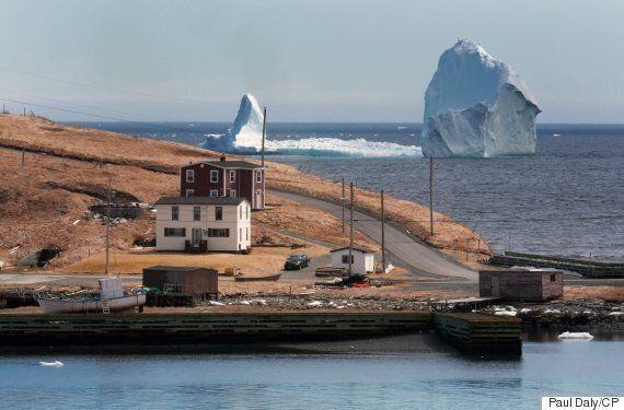 Ces icebergs offrent une vision hors de l'ordinaire le long de la côte de Terre-Neuve!