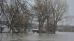 Inondations: pluie à l'horizon, les évacuations se