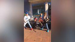 Ces enfants qui jouent du Metallica dans la rue ont été félicités... par Metallica