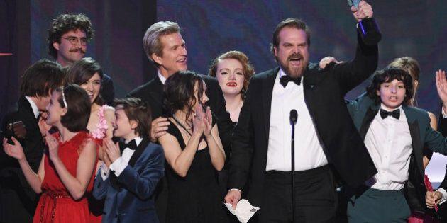 LOS ANGELES, CA - JANUARY 29: (L-R) Actors Millie Bobby Brown, Natalia Dyer, John Paul Reynolds, Noah...