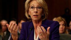 Le Sénat confirme (vraiment) de justesse la nomination de la controversée Betsy DeVos à