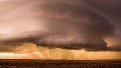 Un énorme orage supercellulaireau Kansas, impressionnant!