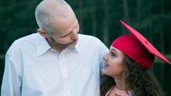 Atteint d'un cancer, il organise une séance photo pour vivre les moments qu'il manquera avec ses