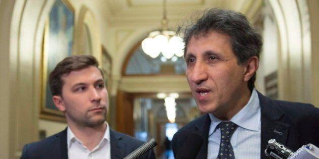 Khadir demande à Couillard de plaider en faveur des droits des