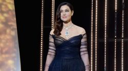 Une robe trop transparente pour Monica