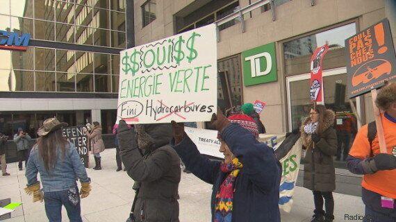 Financement d'oléoducs: manifestations à Vancouver et à Montréal contre la banque