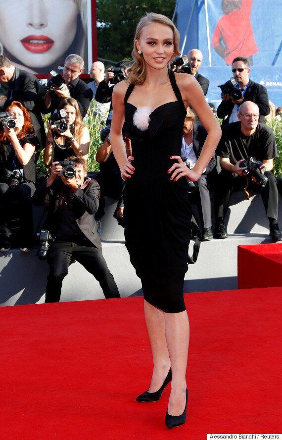 Lily-Rose Depp est tout simplement magnifique à la Mostra de Venise