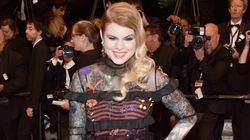 Festival de Cannes 2016: Coeur de Pirate en noir et rouge sur la