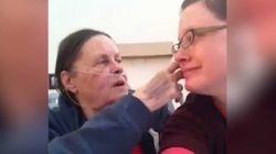 Des internautes l'aident à profiter de ses derniers souvenirs avec sa mère
