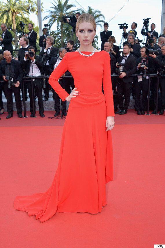 Festival de Cannes 2016: le rouge fatal star de cette montée des marches