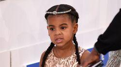 Blue Ivy en tenue de princesse pour accompagner maman aux Grammy