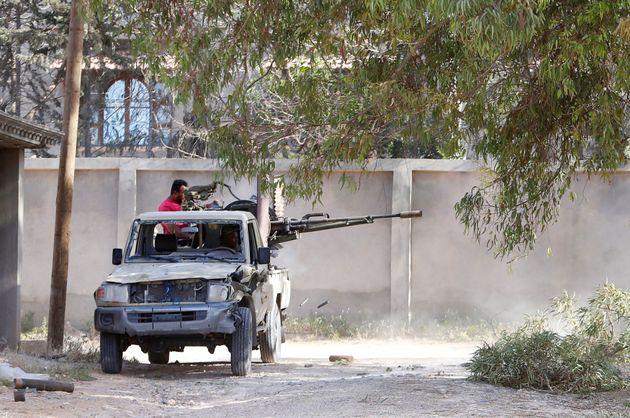 Πιθανή στρατιωτική εμπλοκή των Ηνωμένων Αραβικών Εμιράτων στη Λιβύη διερευνά ο