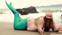 Cet homme sirène nagera directement vers votre cœur grâce à ce photoshoot