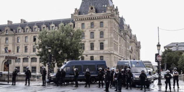 PARIS, FRANCE - JUNE 06: Security forces secure the perimeter around Notre Dame de Paris on June 6, 2017...