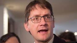 Le ministre Barrette est le «Donald Trump du Québec», dit Gaudreault
