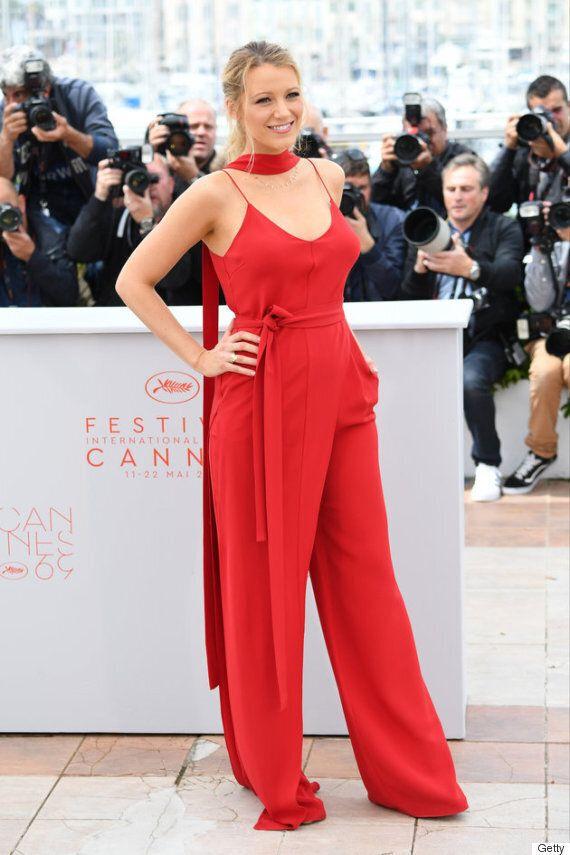 Festival de Cannes: Blake Lively enceinte et tout simplement magnifique en rouge