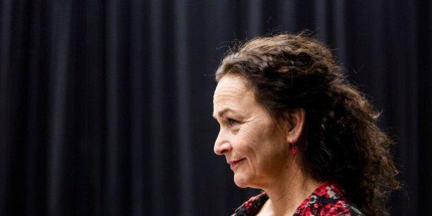 Un deuxième roman et une première pièce d'Ionesco pour Sylvie Drapeau