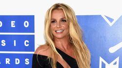 MTV VMAs 2016: Britney Spears épate en Versace