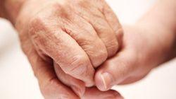 Des auxiliaires en santé et services sociaux manifestent à
