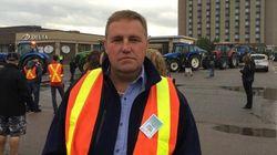 Les producteurs laitiers traités avec «mépris» par les libéraux