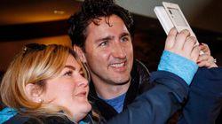 Trudeau accusé d'arriver les mains vides au