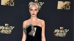 Aux MTV Movie & TV awards, Cara Delevingne magnifique le crâne