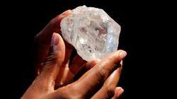 Un diamant gros comme une balle de tennis à 70 millions $