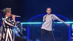 Voyez Katy Perry se faire voler la vedette par ce petit danseur