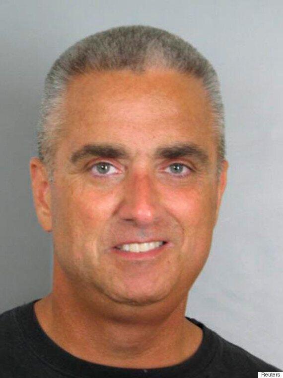 Le maire de Fairfax City, en Virginie, est arrêté pour avoir tenté d'échanger du crystal meth contre...