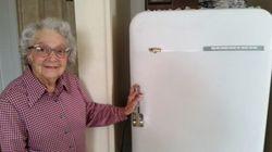 Elle vit avec le même réfrigérateur depuis