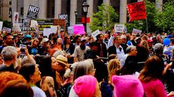 Des milliers de manifestants anti-Trump exigent la
