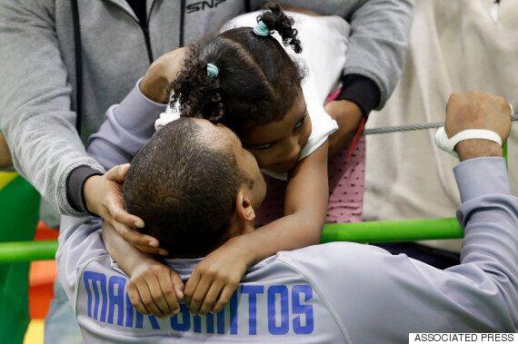 10 photos réconfortantes d'athlètes qui célèbrent leur victoire avec leur enfant à