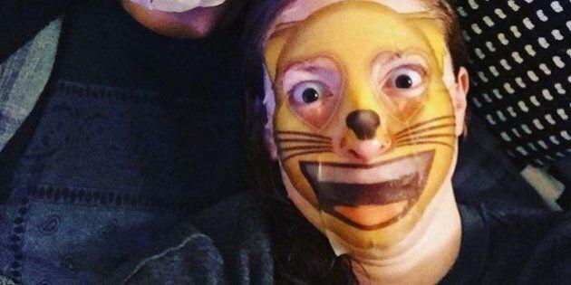 Les masques faciaux en emoji font fureur (et tellement