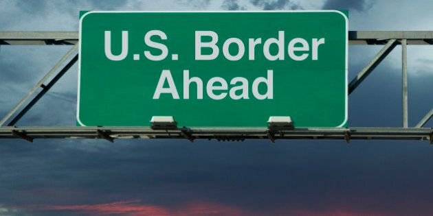 A sign that says 'United States Border