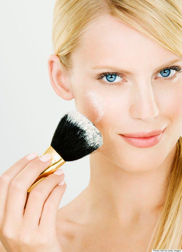 9 problèmes beauté résolus facilement avec de la poudre pour