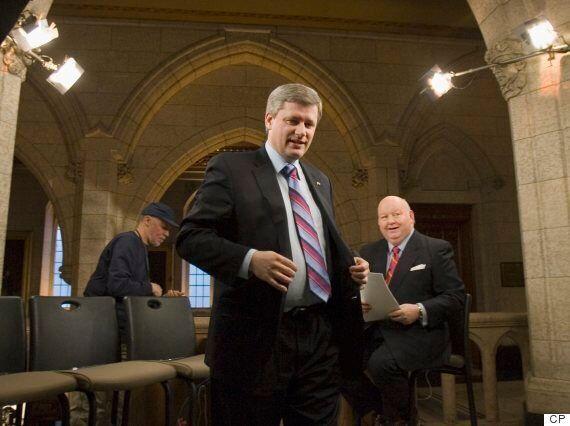 Affaire Duffy : Démocratie en surveillance veut poursuivre l'entourage de l'ancien premier ministre Stephen