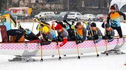 Un festival de bateau-dragon sur glace débarque à