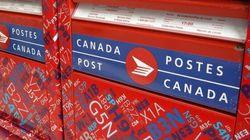 Les Syndiqués De Postes Canada Manifestent