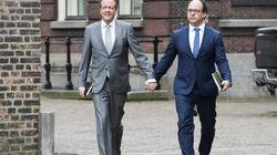 Des hommes hétérosexuels se tiennent soudainement la main pour une bonne