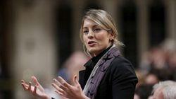 Mélanie Joly refuse de juger une série controversée sur l'histoire