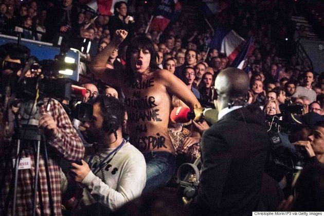 Deux Femen évacuées de force lors du discours de Marine Le Pen au Zénith de