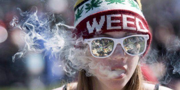 Ottawa veut que les adolescents possédant de la marijuana ne soient plus