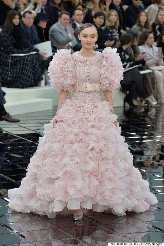 Lily-Rose Depp: une vraie princesse dans cette robe de mariée lors du défilé Chanel haute couture