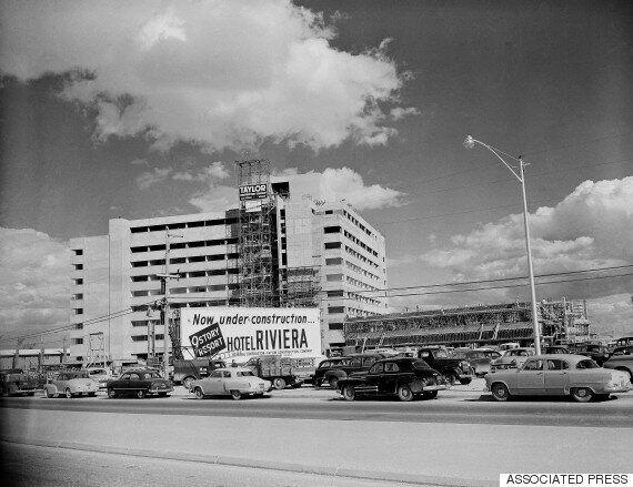 À Las Vegas, le mythique hôtel Riviera est détruit en quelques secondes