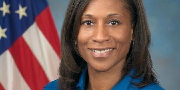 Jeanette Epps, première astronaute noire dans