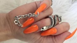 Les chaînes sur les ongles, pas pratique du