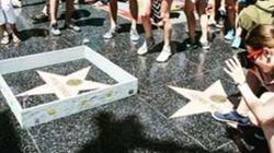 Un mur miniature est érigé autour de l'étoile de