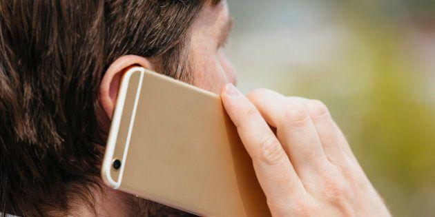 Lien entre tumeur et téléphone cellulaire: un tribunal italien donne raison à un