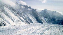 Une avalanche fait neuf morts au