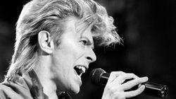 Une boucle de cheveux de David Bowie aux